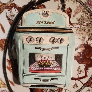 NWOT Betsey Johnson L'oven Oven Bag❣